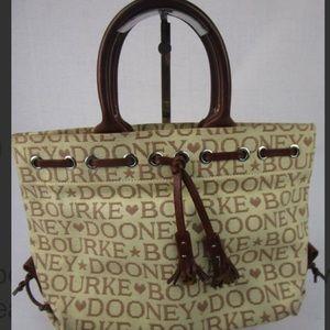❤️Dooney and Bourke Handbag